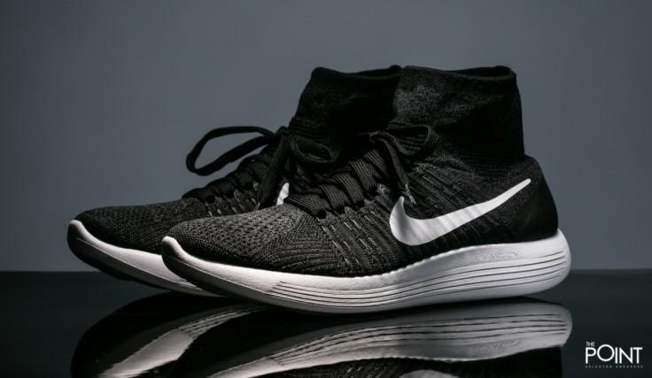 sneakers-men-nike-lunarepic-flyknit-black-white